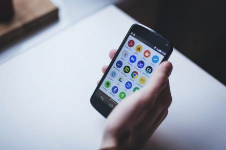 the 15 best apps for seniors and the elderly | graying