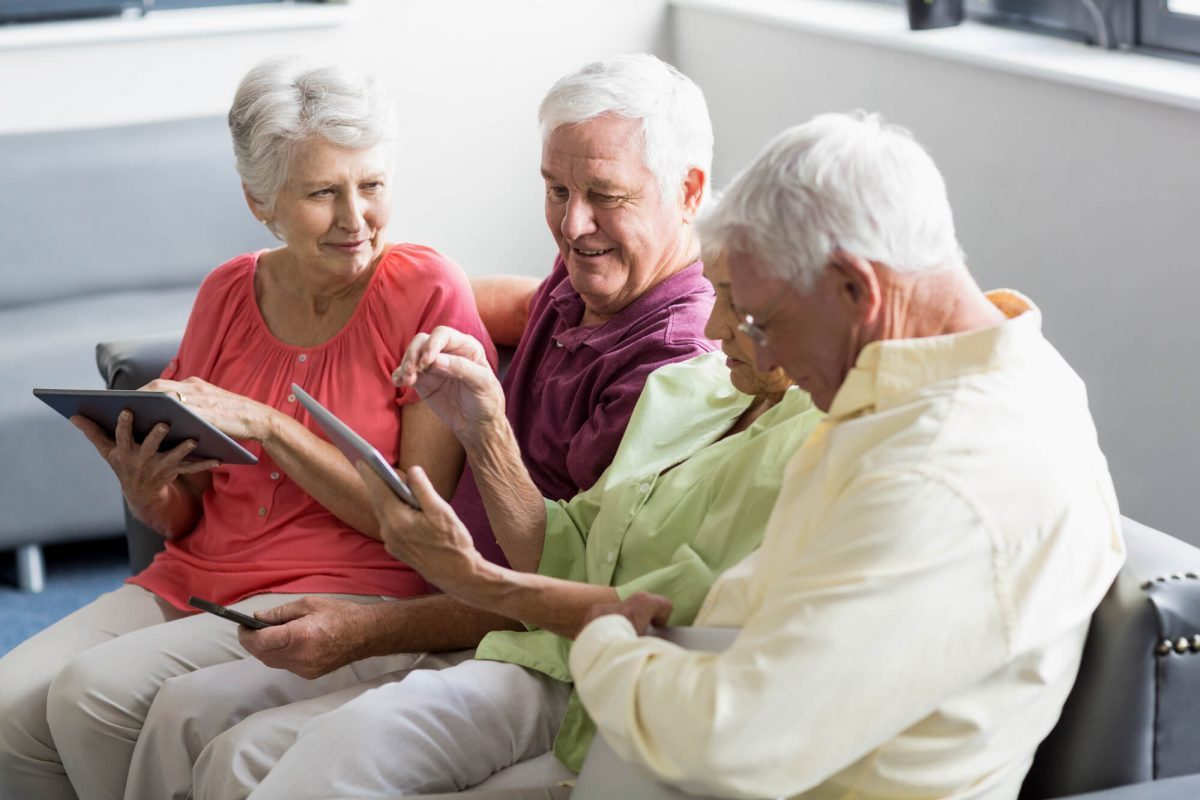 Best Tablets for Senior Citizens That Are Easy to Use and Easy to See!