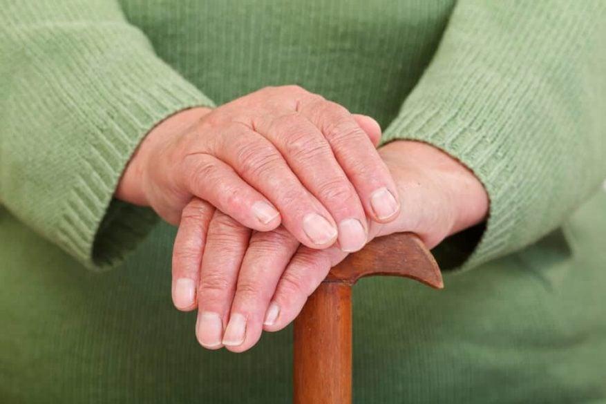 nail care for seniors 1