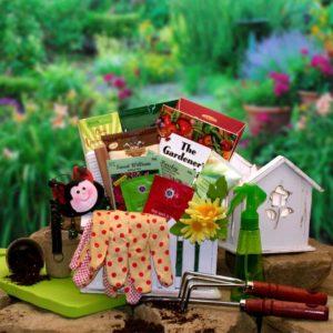 Gift Baskets The Useful Gardener Gift Set | GreaterGood