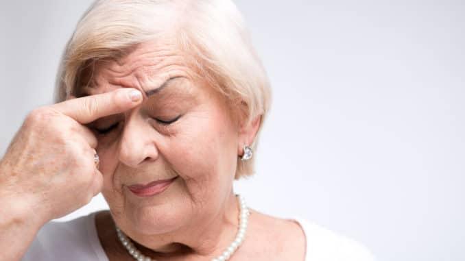symptoms of head trauma after fall in elderly 1