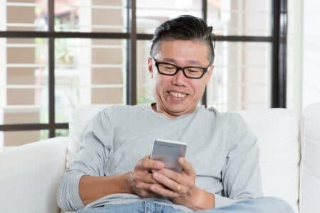 senior-man-using-app