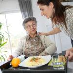 nursing-home-volunteer