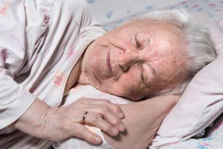 elderly woman sleeping (1)