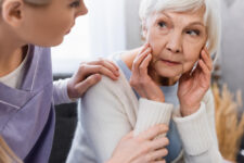 When to Move from Assisted Living to Memory Care