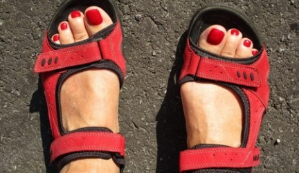 Best Sandals for the Elderly that are Supportive, Comfortable, and Safe!
