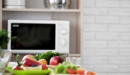 Which is the Best Microwave for Seniors? How to Choose a Simple Microwave for the Elderly