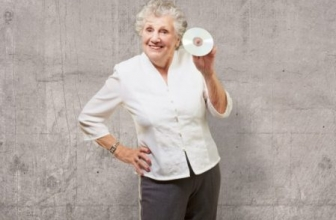 Large Button, Simple CD Players for the Elderly and Seniors