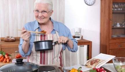 Lightweight Cookware for the Elderly and Seniors with Ergomonic Handles That Are Easier to Use, Too!